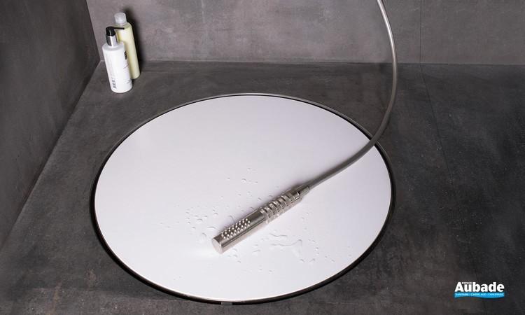 Bonde ronde et design Dot de ESS pour la douche à l'italienne 02