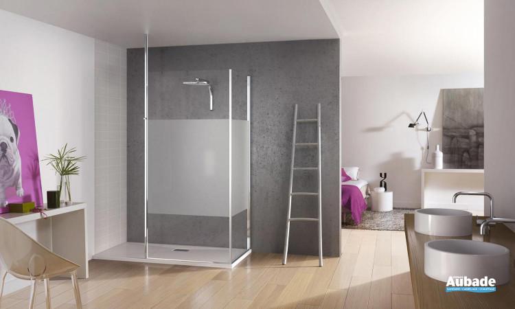 paroi de douche avec traitement anticalcaire des verres Kinedo Kinespace ouvert