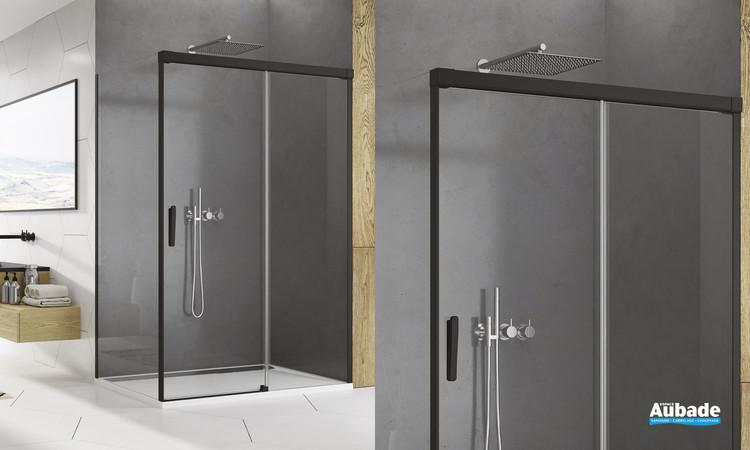 Paroi coulissante Ophalys finition profilé noir mat et verre transparent par SanSwiss