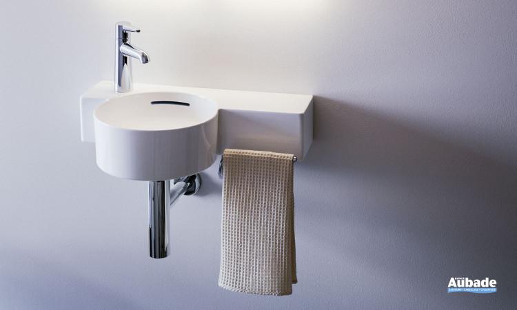 Lave-mains Val finition  blanc brillant avec barre porte-serviettes chromé par Laufen