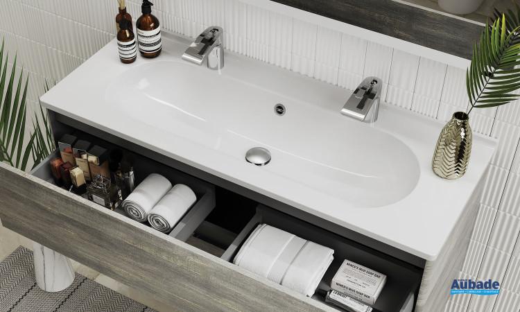 Meuble vasque Elyps avec une grande cuve en SMO et 2 trous de robinetterie proposé par la marque Ambiance Bain