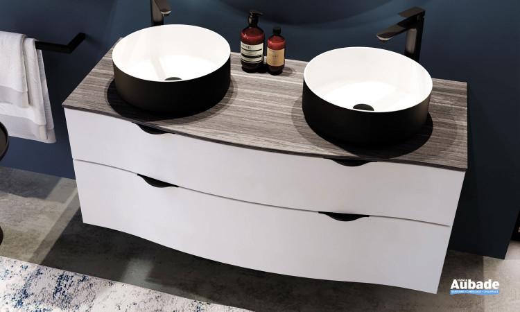 Meuble double vasque à poser Stiletto avec plan zébrano gris et meuble laqué blanc mat de la marque Decotec
