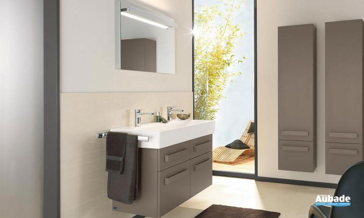 ensemble meubles Up2U avec meuble 4 tiroirs sur rails, miroir et plan de toilette Memento de Villeroy et Boch