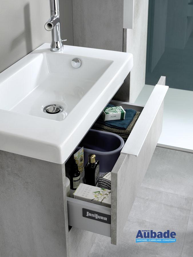 Meuble XS coloris Béton gris avec de nombreux rangements intérieurs de la marque Sanijura