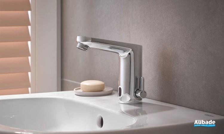Mitigeur lavabo infrarouge Eurosmart Cosmopolitan E Chromé ambiance 2
