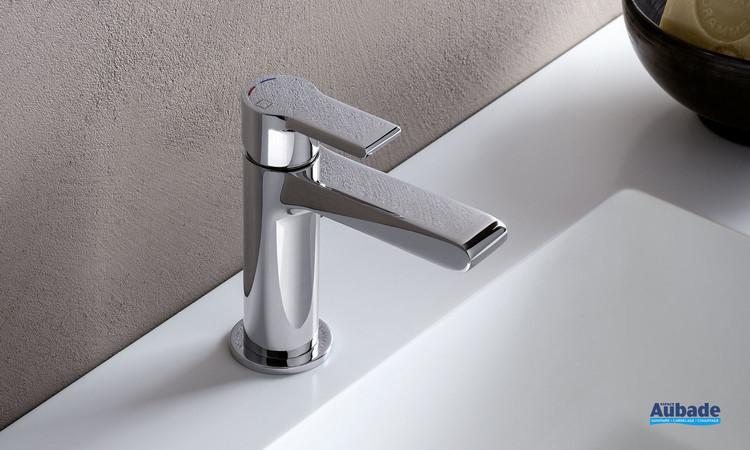 Robinet miitigeur lave-mains et petit lavabo Delta chromé par Cristina