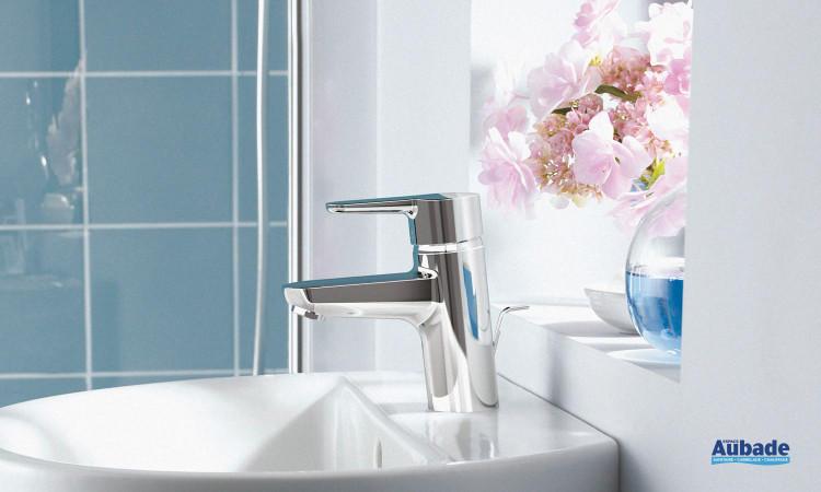 Mitigeur Connect Blue de Ideal Standard avec un design simple et sécurité anti-brûlure