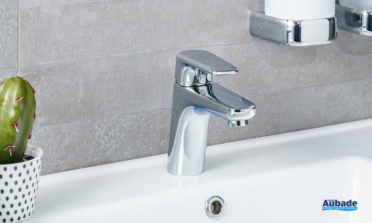 Mitigeur de lavabo Derby Style taille medium de la marque Vigour finition chromé