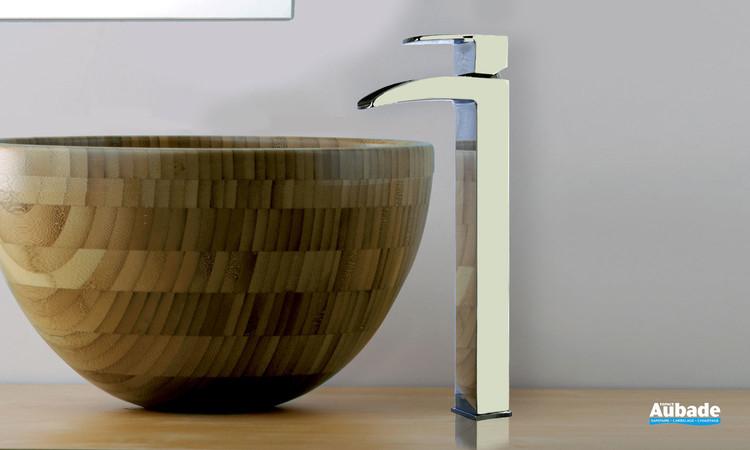 Mitigeur de lavabo rehaussé Lothus finition chromée par Paini France