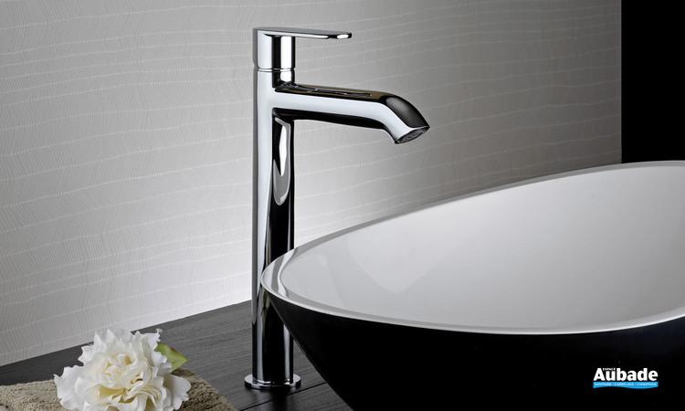 Mitigeur lavabo rehaussé Round finition chromée par Paini Italie