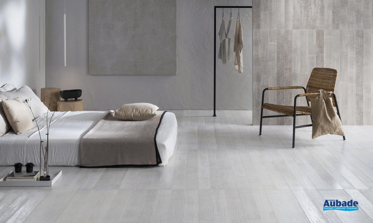 Collection Bamboo par Settecento en coloris White, Natural et Décor Burnt Natural