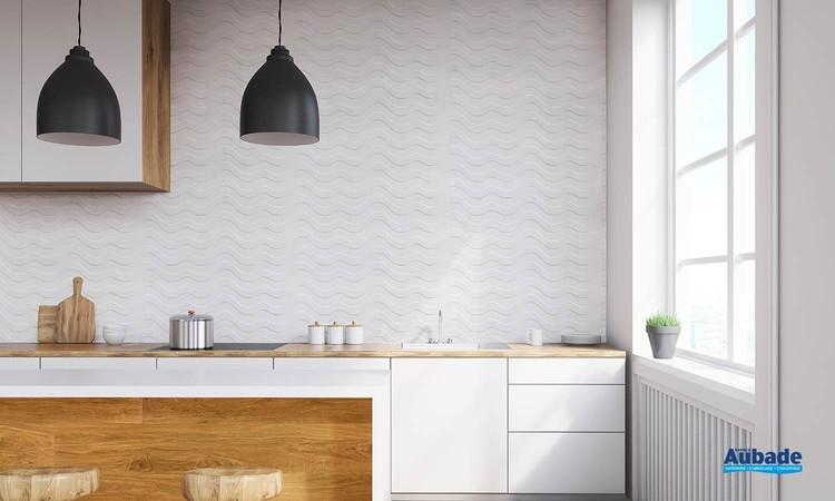 Collection Bianchi par Tau Ceramica en décor Donini