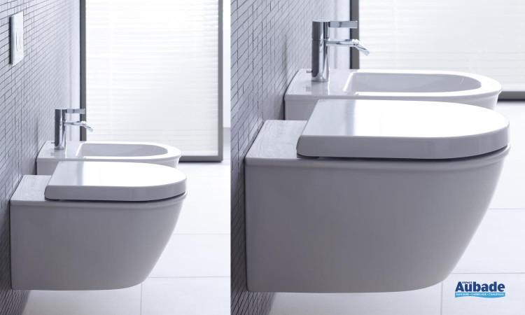 WC équipé d'une cuvette suspendue avec ou sans abattant Softclose, et bidet suspendu Darling New de Duravit