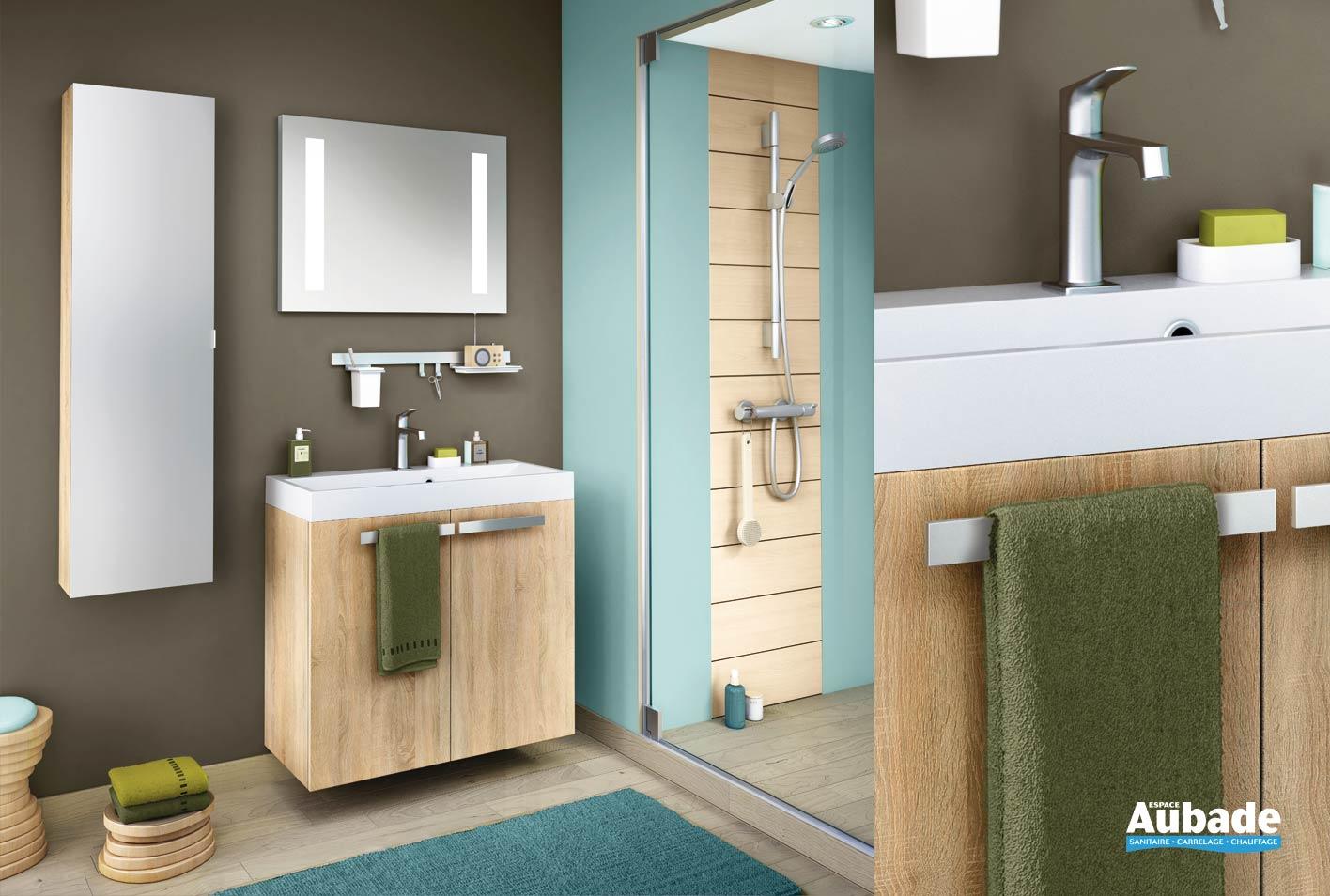 Meuble de salle de bains en chêne scié clair structuré
