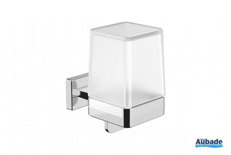 Distributeur de savon à fixer Cubo finition chromé ou noir mat de la marque Inda
