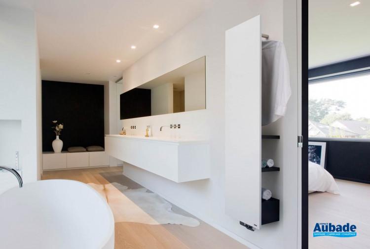 Sèche-serviettes à eau chaude Niva Bain de Vasco/Brugman Heating Company