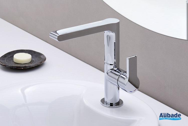 Robinet mitigeur lavabo à bec haut Delta de Cristina