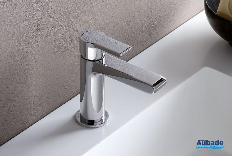 Robinet mitigeur lave-mains et petit lavabo Delta par Cristina