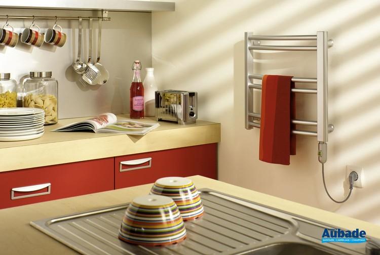 Radiateur sèche-serviette électrique pour la cuisine Mini Surf de Finimetal