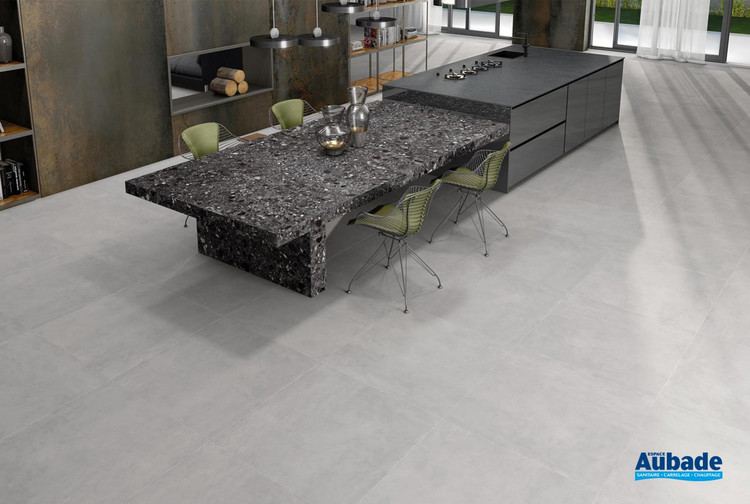 Collection Cosmopolita par Tau Ceramica en coloris Silver