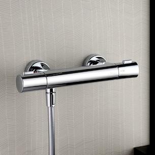 Mitigeur douche mural thermostatique Round finition chromée de la marque Paini Italie