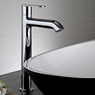 Mitigeur lavabo rehaussé Round finition chromée de Paini Italie