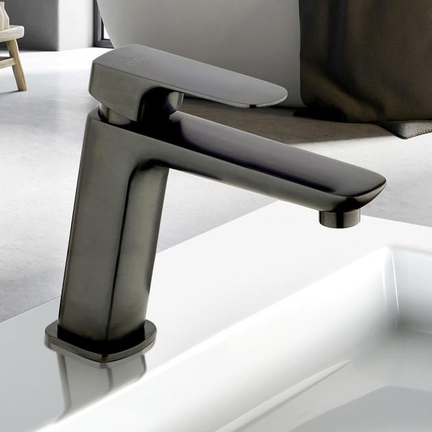 Mitigeur lavabo medium New-York en PVD noir brossé de Paini